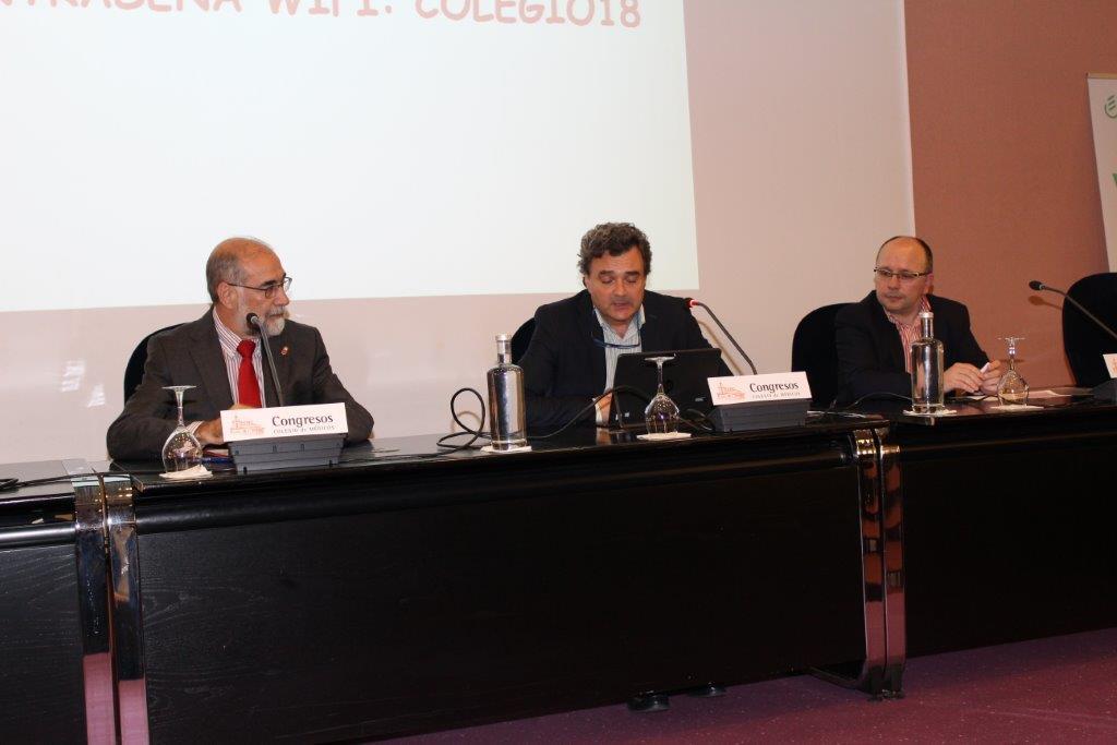 Mesa redonda: ¿Quién cuida de la salud de los médicos? , en el Colegio de Médicos de Navarra.