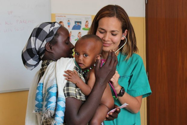 La mujer lidera el Registro de Profesionales Médicos Cooperantes y Voluntarios de la FCOMCI.