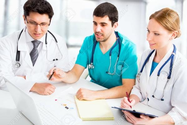 Las Vocalías de A.P. Rural, de Médicos Jóvenes y de Médicos Tutores de la OMC elaborarán un plan estratégico para potenciar la figura del tutor.
