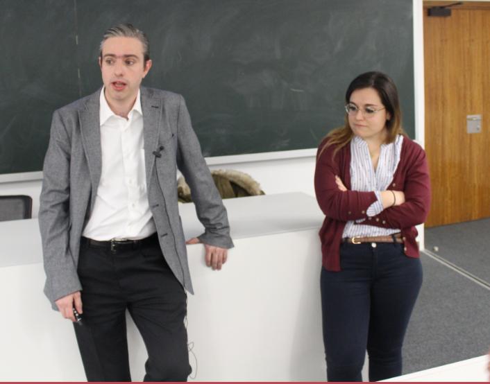 Charla organizada por el Colegio de Médicos de Navarra: Neurólogos hablan de la especialidad a los alumnos de Medicina.