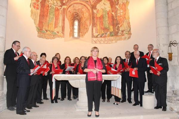 El coro del Colegio de Médicos de Navarra os desea Feliz Navidad con el villancico ALL ON A SILENT NIGHT.