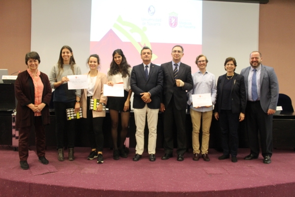 Premios del II Certamen de casos clínicos ético-deontológicos para estudiantes de sexto de Medicina.