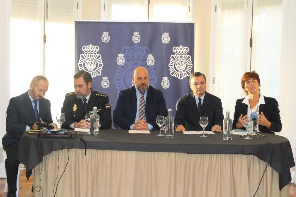 Inauguración de las XV Jornadas de Sanidad Policial en el Colegio de Médicos de Navarra.