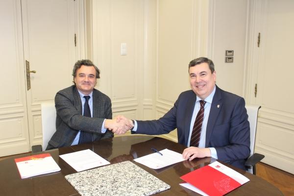 Acuerdo de colaboración entre el Colegio de Médicos y el Orfeón Pamplonés.