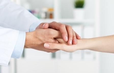 El Colegio ofrece apoyo emocional para médicos en situación de aislamiento o que presentan malestar por el COVID-19.