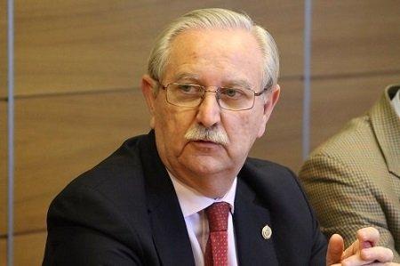 """""""Otra oportunidad perdida. Los residentes de último año no serán contratados como especialistas"""", lamenta Serafín Romero, presidente del CGCOM."""