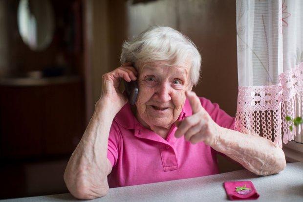 La FPSOMC refuerza sus ayudas a los mayores durante la pandemia de COVID-19.