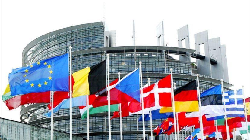El CGCOM denuncia ante el Parlamento Europeo vulneraciones del derecho de la Unión del RDL 29/2020.