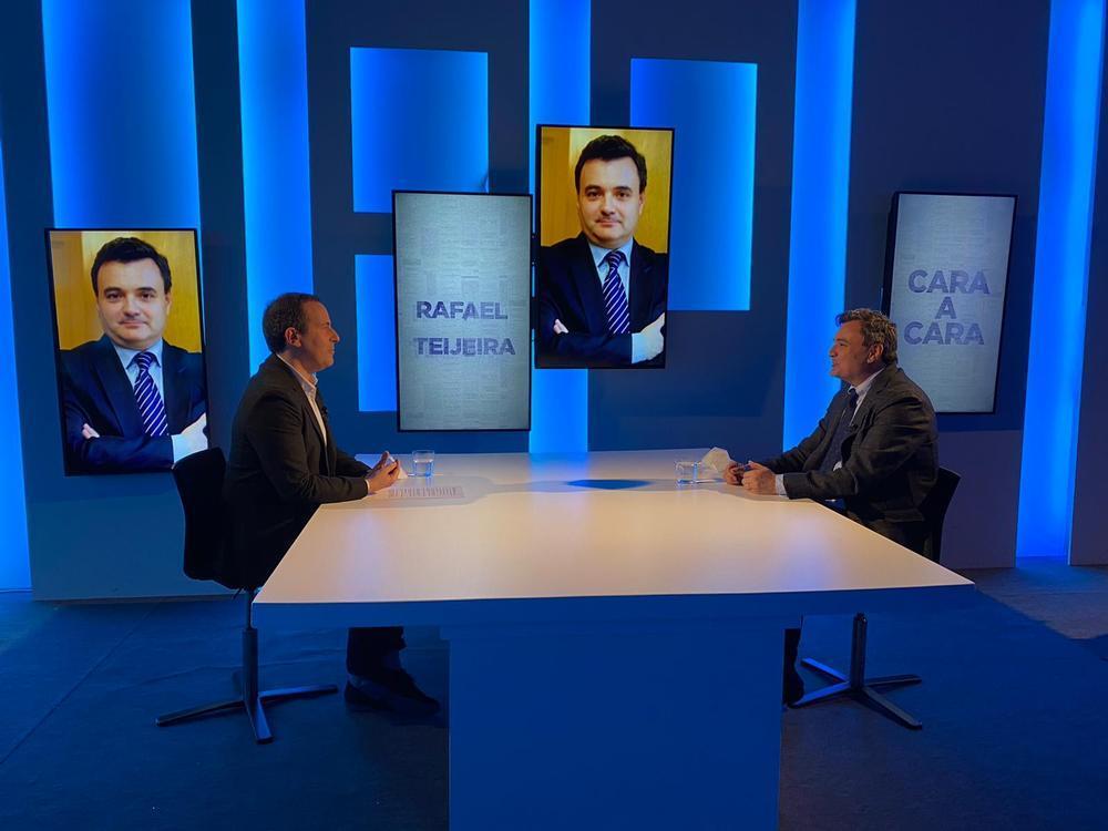 Entrevista a Rafael Teijeira en el programa CARA A CARA de Navarra Televisión.