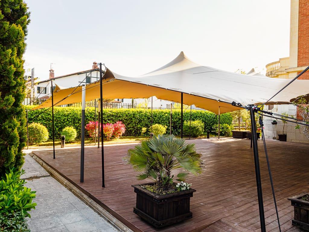 Disfruta la terraza del Restaurante el Colegio.