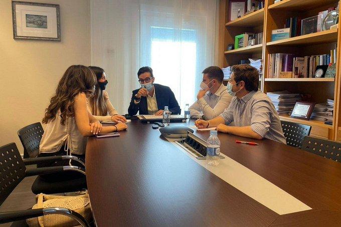 El Foro de la Profesión Médica considera insuficientes las propuestas de Sanidad para la elección de plazas MIR, pero valora la propuesta de diálogo para la solución del conflicto.