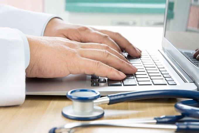El CGCOM advierte de los riesgos de aquellos servicios de Telemedicina que no cumplen con los preceptos del Código de Deontología Médica .